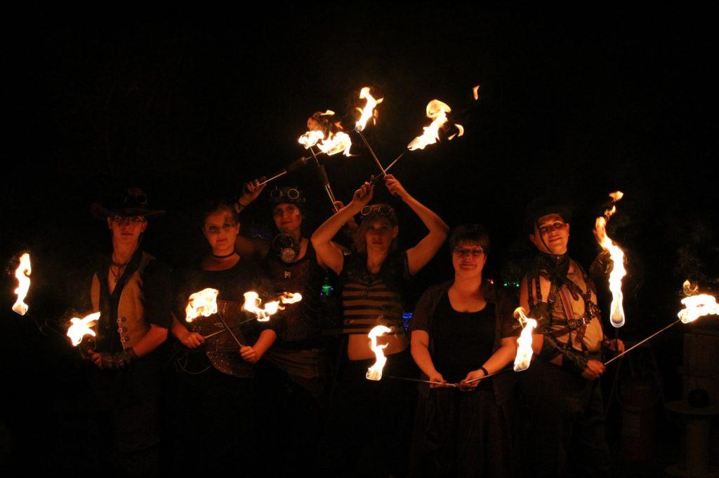 Feuerkünstler Inferno Gruppe